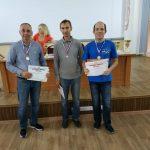 Слева направо: призеры среди мужчин в МР-2 - Владимир Черноусов RK3Q (3 место), Владимир Владимиров RX3QAK (2 место) и Олег Гулько R5QD (1 место).
